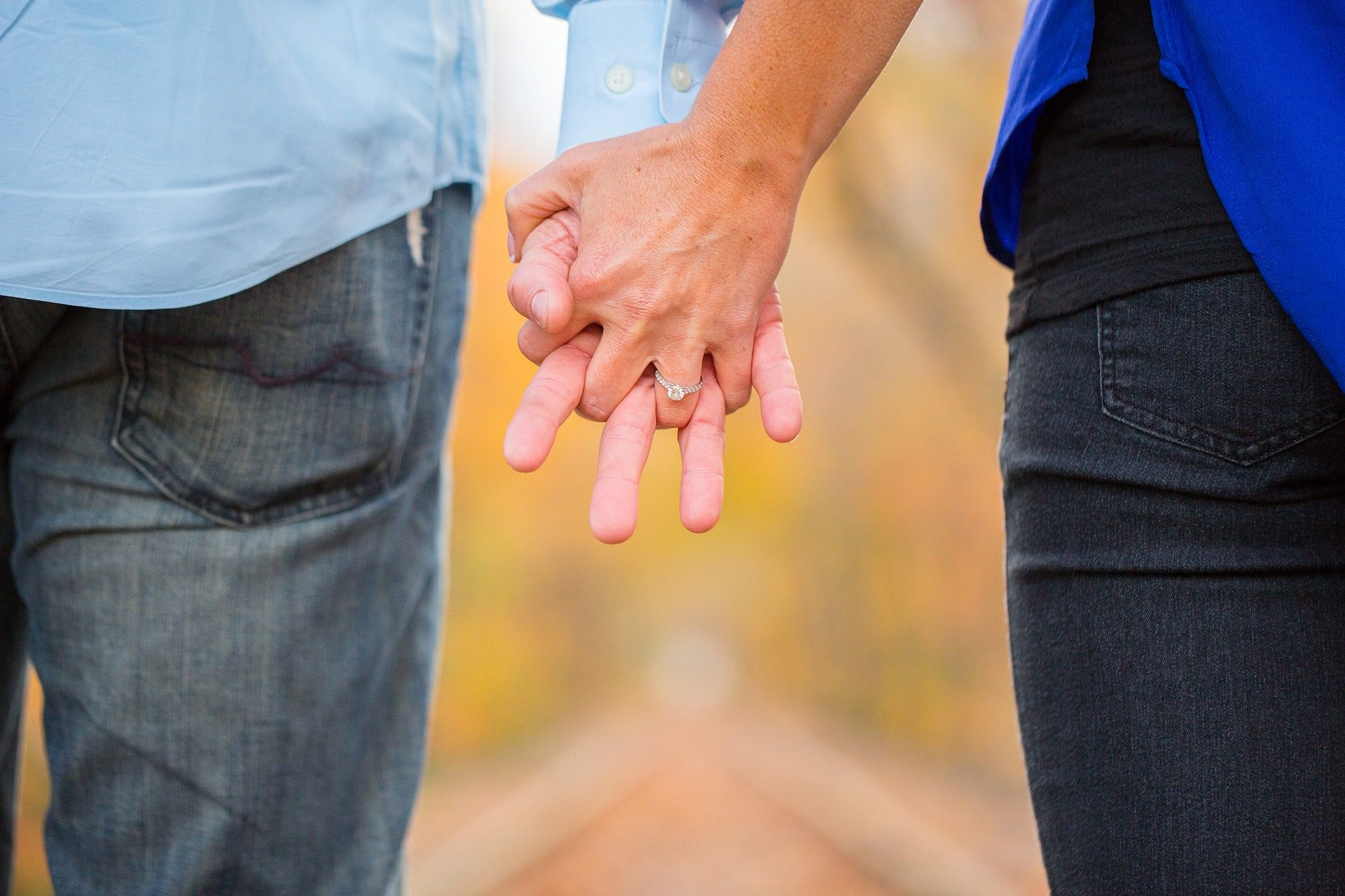 Previously married expectations - Pixabay holding-hands-2180640_1920