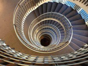 spiral-staircase-180536_640