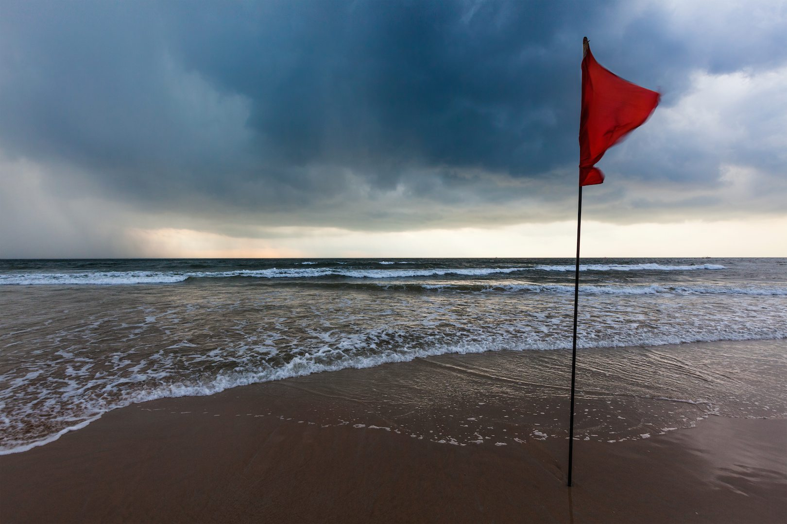 relational red flags Warning Flag AdobeStock_71489472 copy