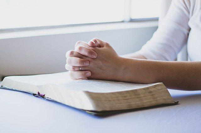Pixabay prayer-1308663_640