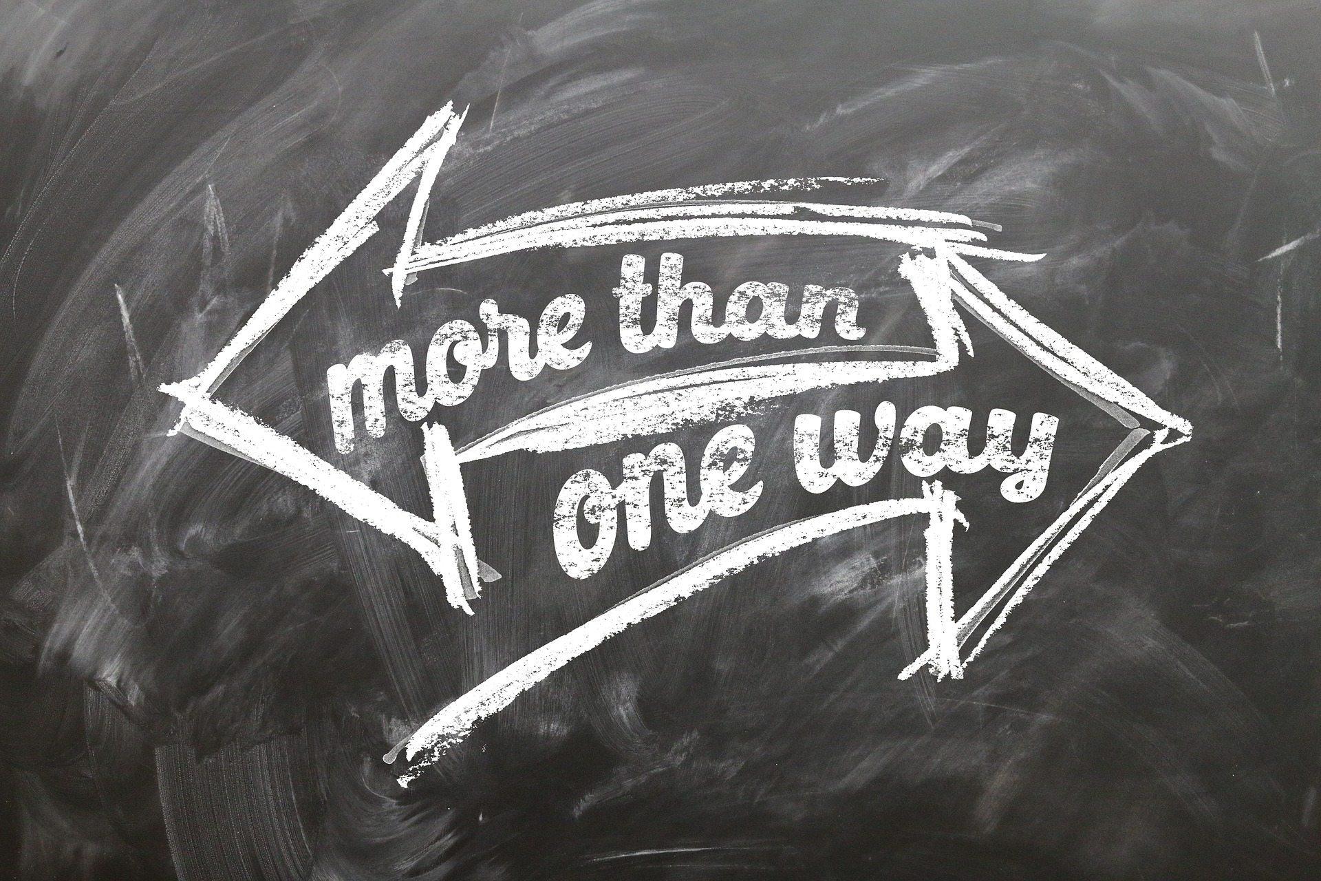Communication differences Pixabay arrow-2275730_1920