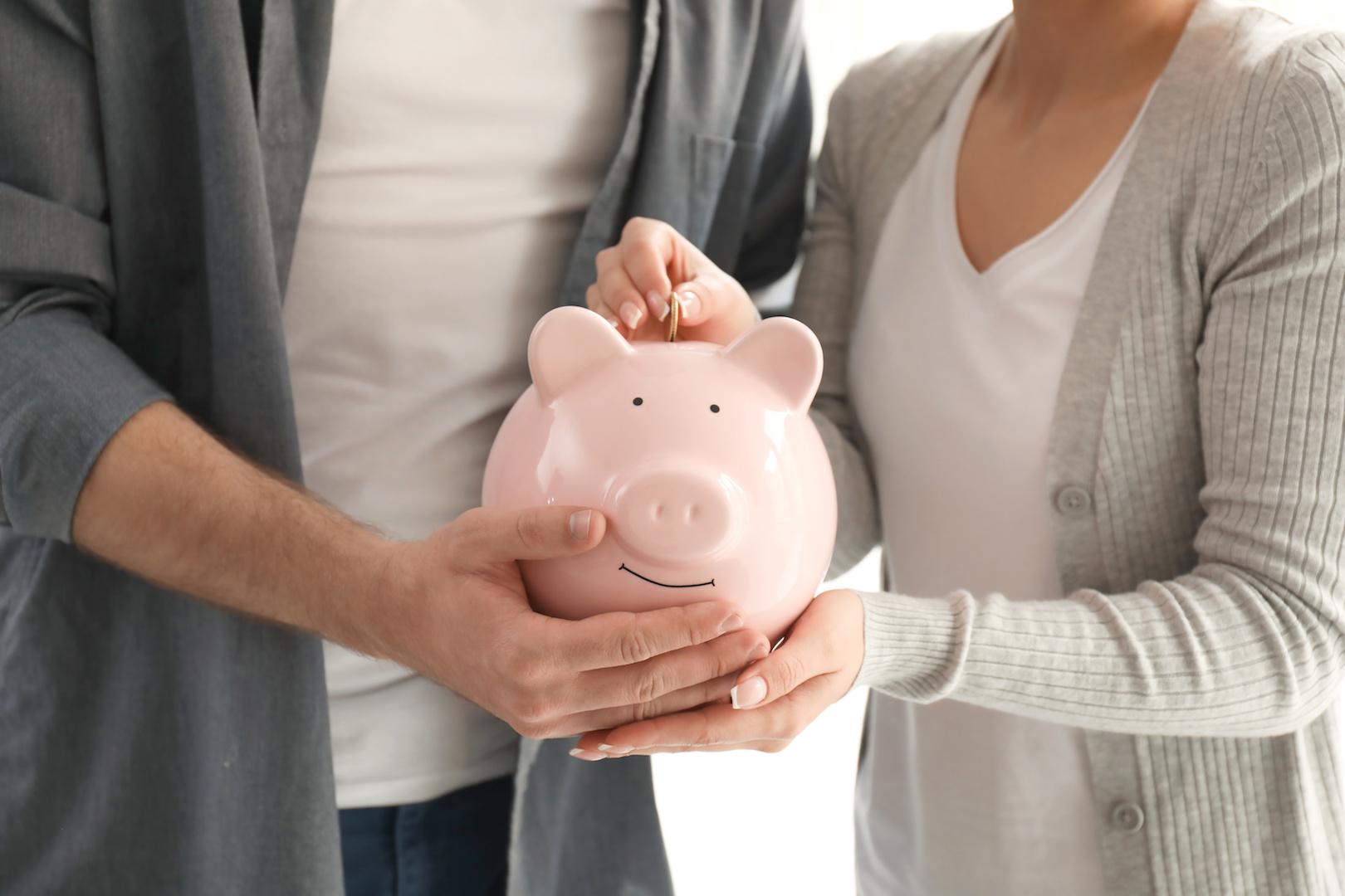 Managing Money - AdobeStock_208940181