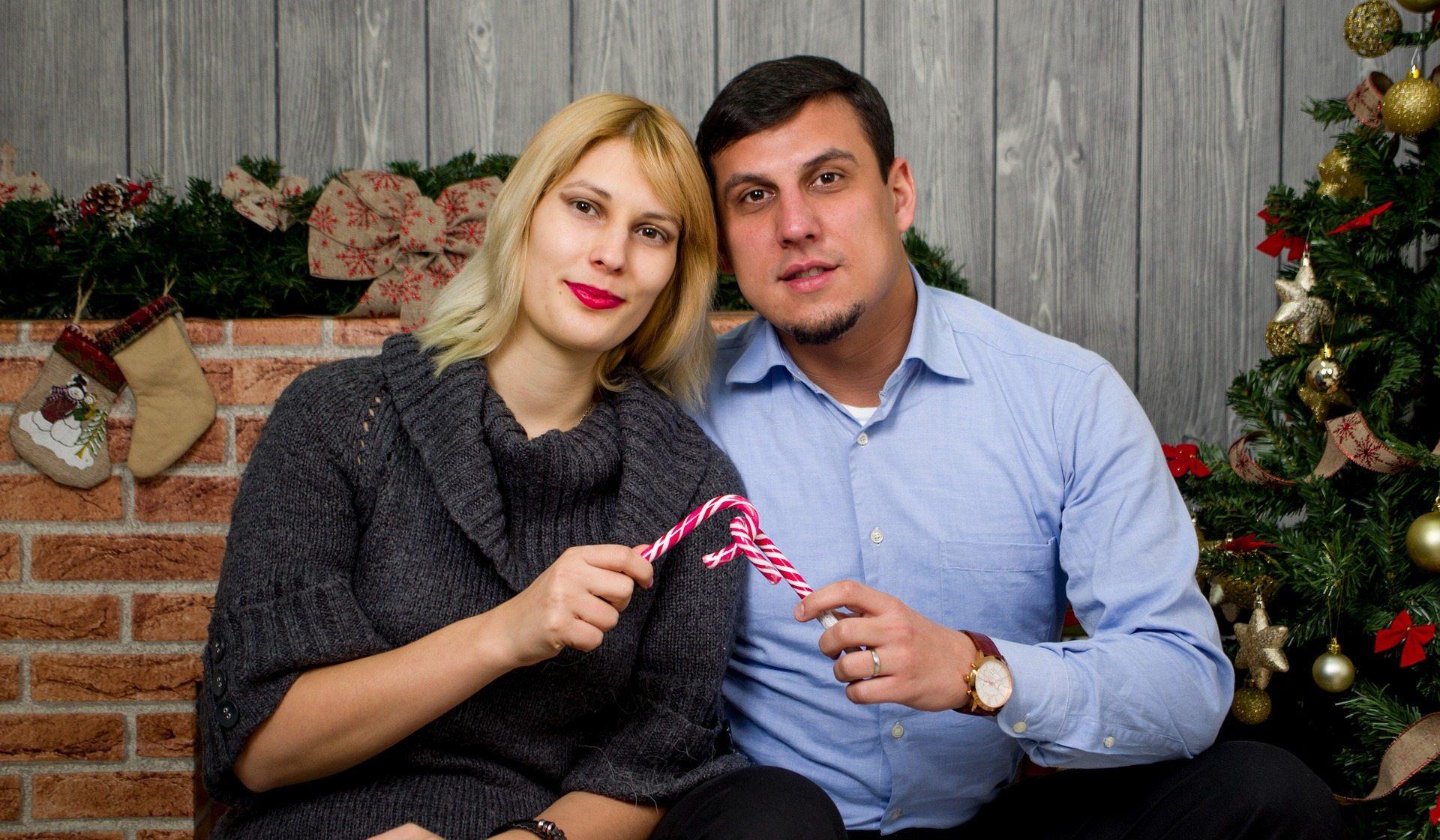 favorite Christmas memory as a married couple Pixabay christmas-couple-2037889_1920