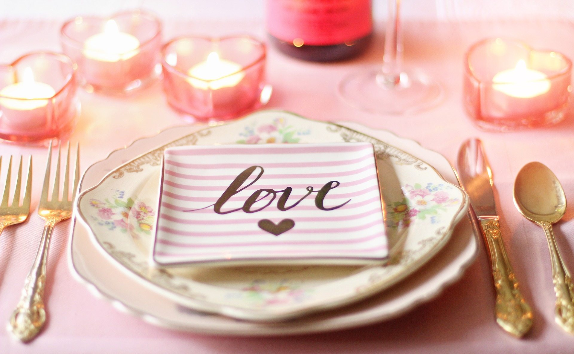 Anniversaries - Pixabay love-1951386_1920