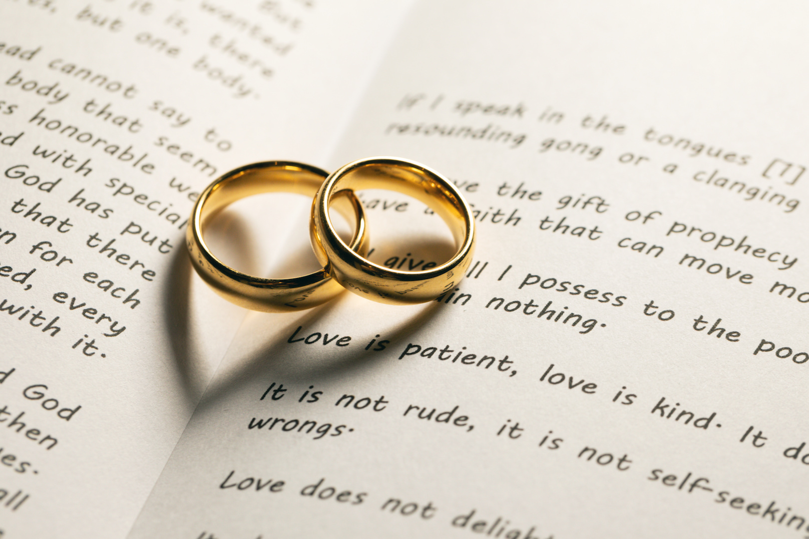 Open Book Marriage - AdobeStock_320490022