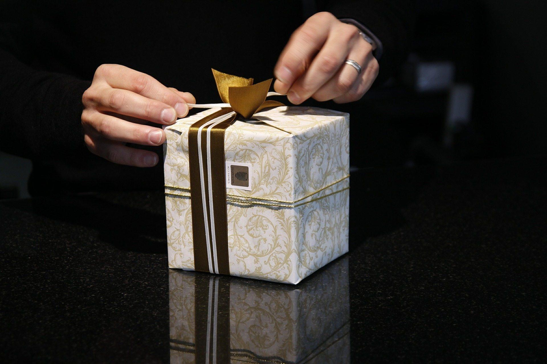 Giftedness - Pixabay gift-402199_1920