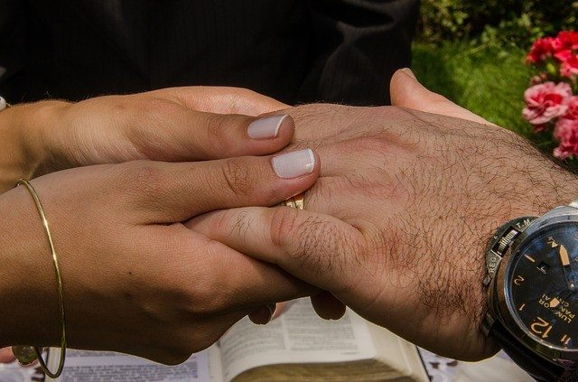 couple pray together - Pixabay - bible-556720_640