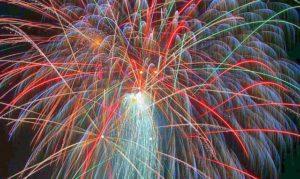 fireworks-113955_640