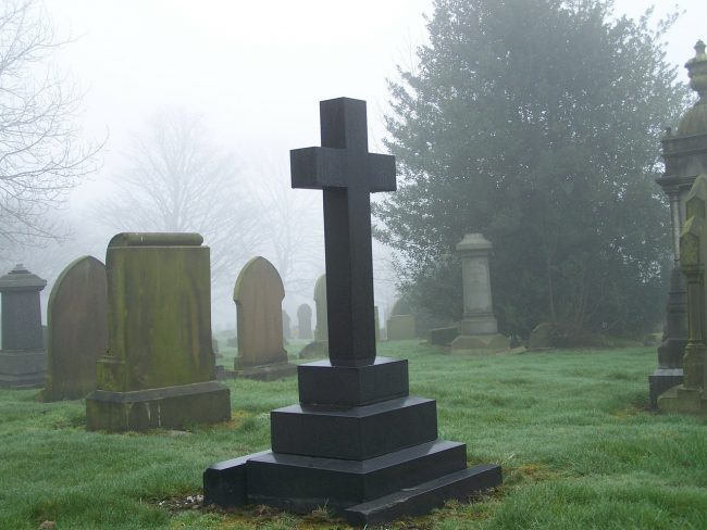 spouse dies - Pixabay cemetery-91552_1280