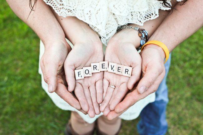 Spouse your BFF Unsplash photo forever hands-1459259191495-52eccde892c7