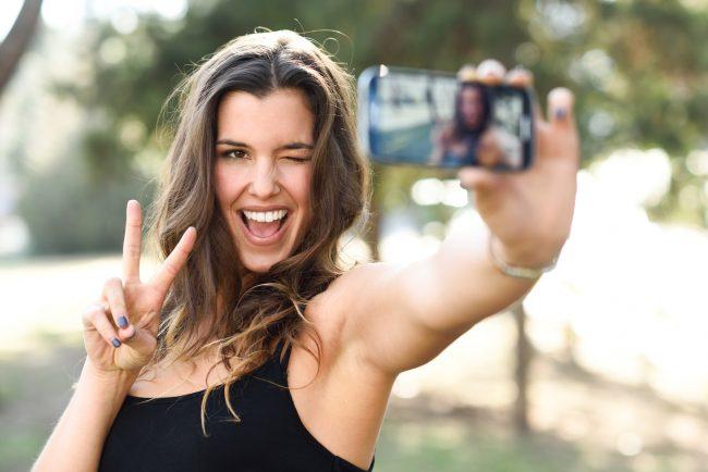 Selfie - AdobeStock_78191171
