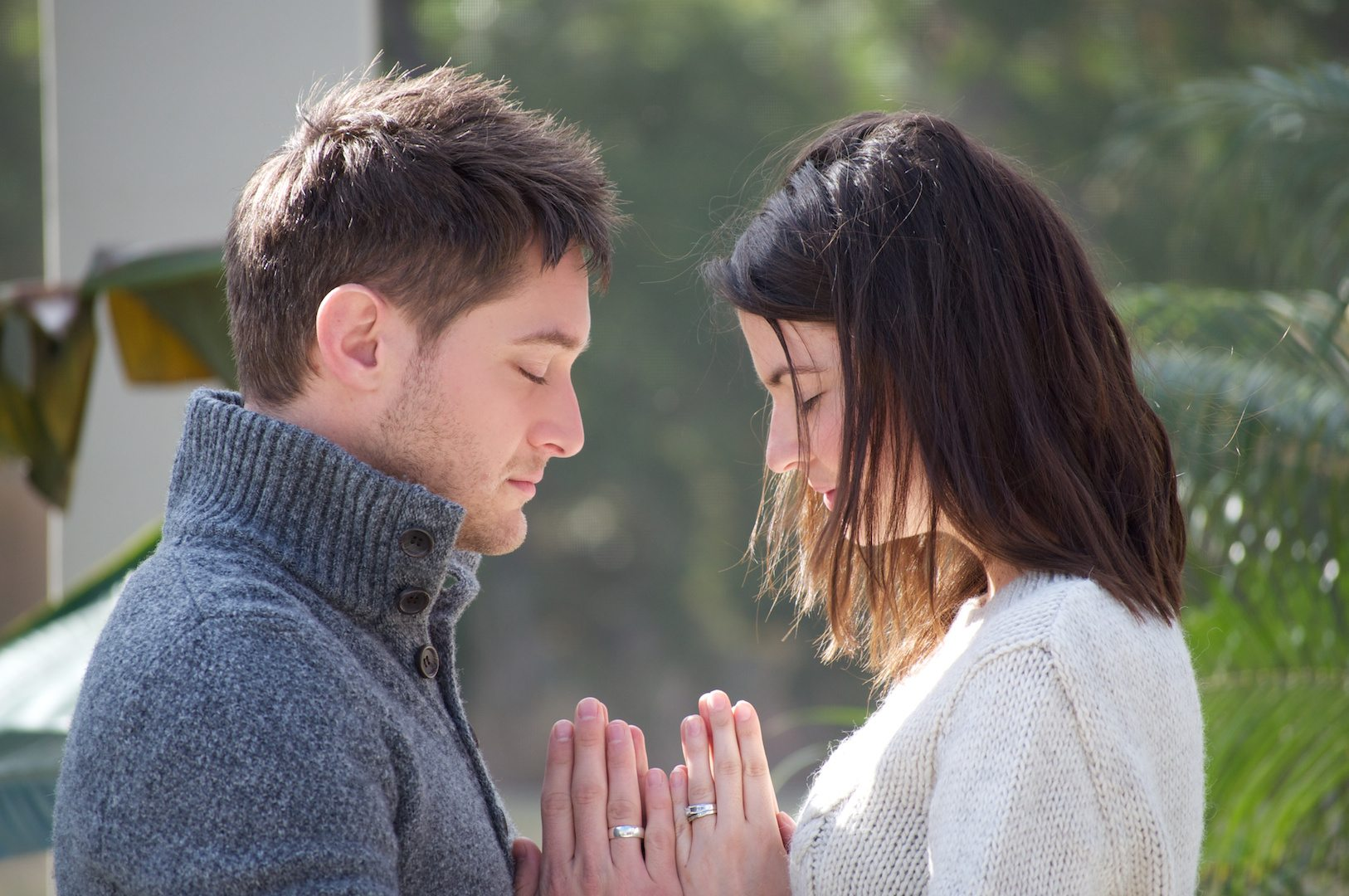 How to pray together as a dating couple