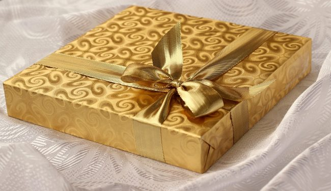 Gift Pixabay gift-1008886_1920